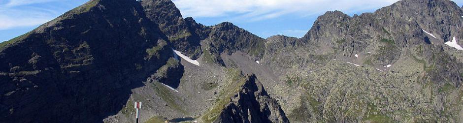 Peak Negoui at 2535 - transylvanian alps